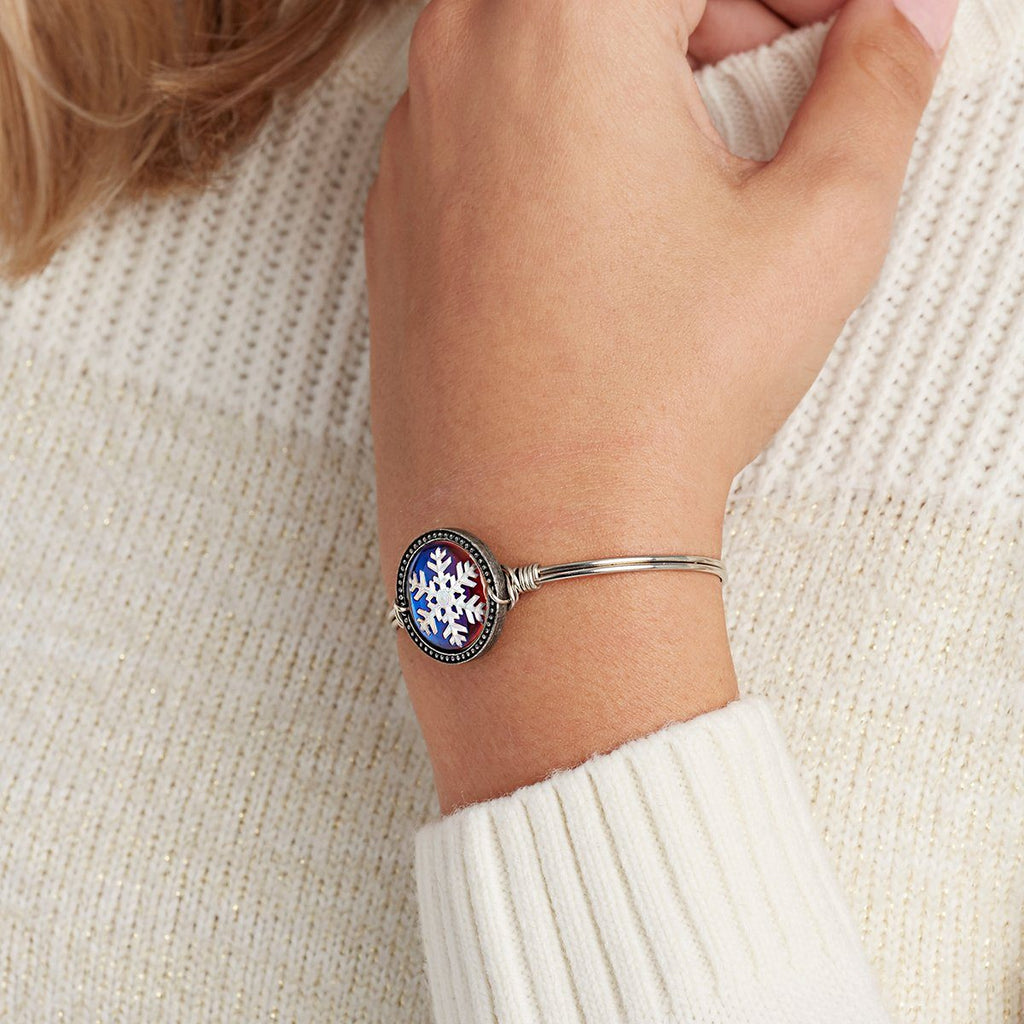 Snowflake Intaglio Bangle Bracelet