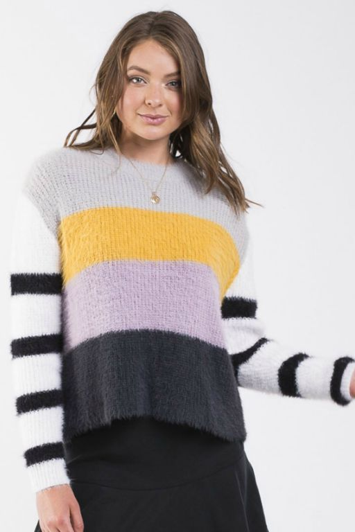 ALL ABOUT EVE - RARE FIND KNIT CREW 34915