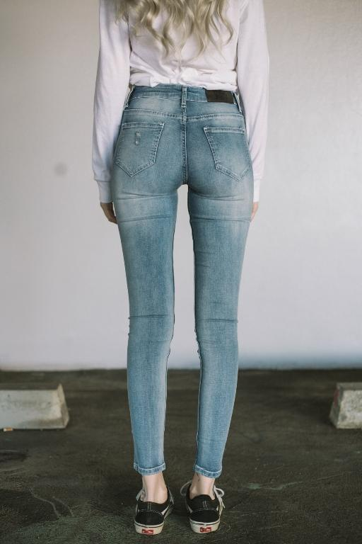 TOKYO JOE DENIM CO - SOFI TRASHED JEAN LIGHT BLUE 32101