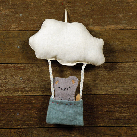 cloud and bucket with finger puppet: mouse