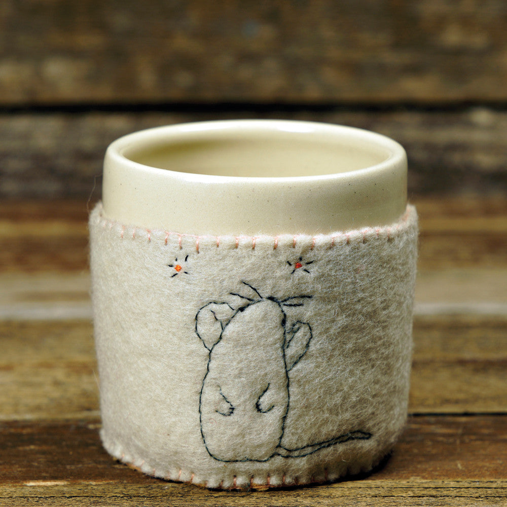 cup in cozy: stargazing mouse