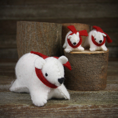 wool felt toy: polar bear and cubs