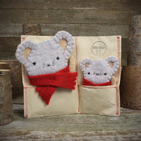finger puppets: mouse and baby in scarves