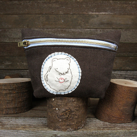 hemp stand up zipper pouch: mouse with berry