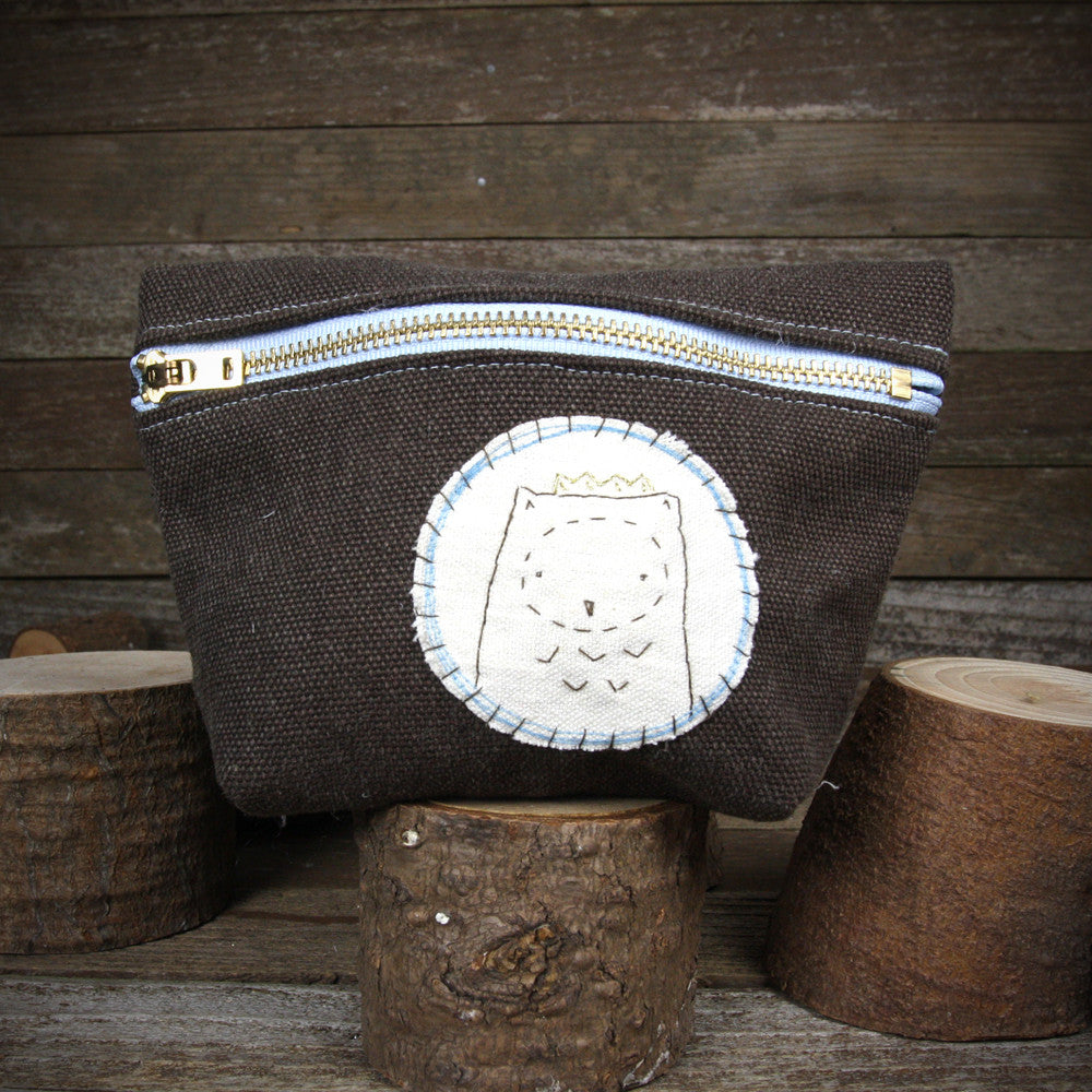 hemp stand up zipper pouch: owl in crown
