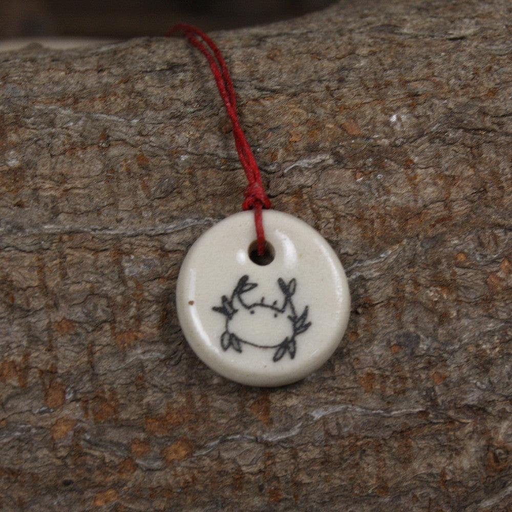 zodiac pendant: Cancer (June 22-July 22)