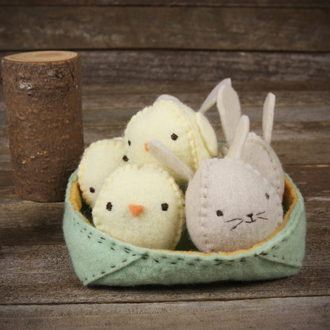 seasonal: spring- bunnies and chicks in basket