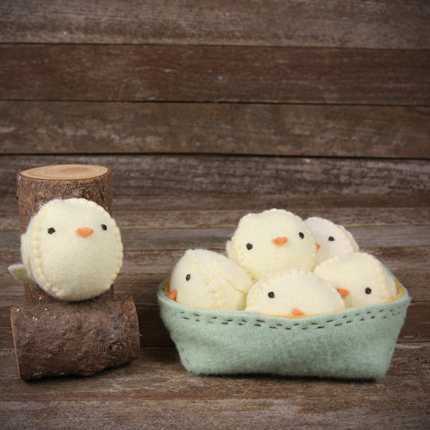 seasonal: spring- chicks in basket