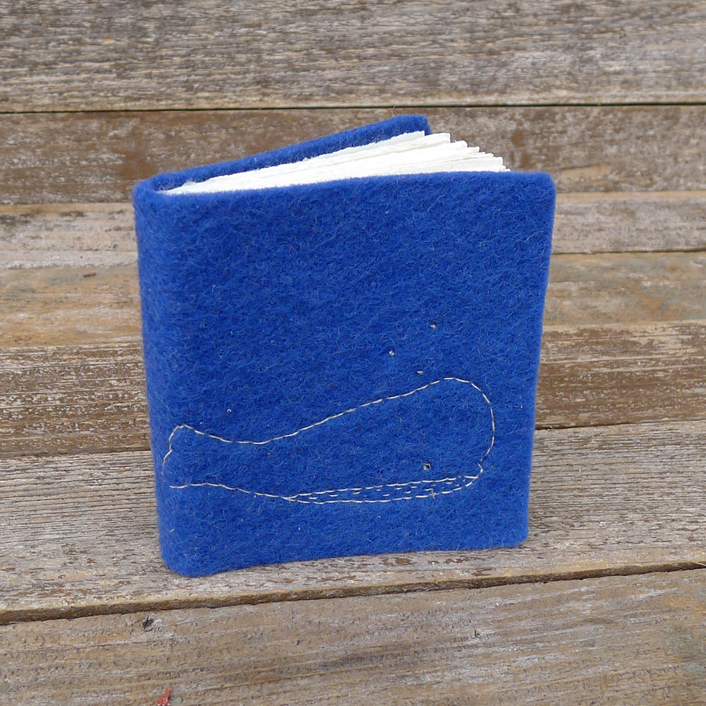 little felt journal: whale