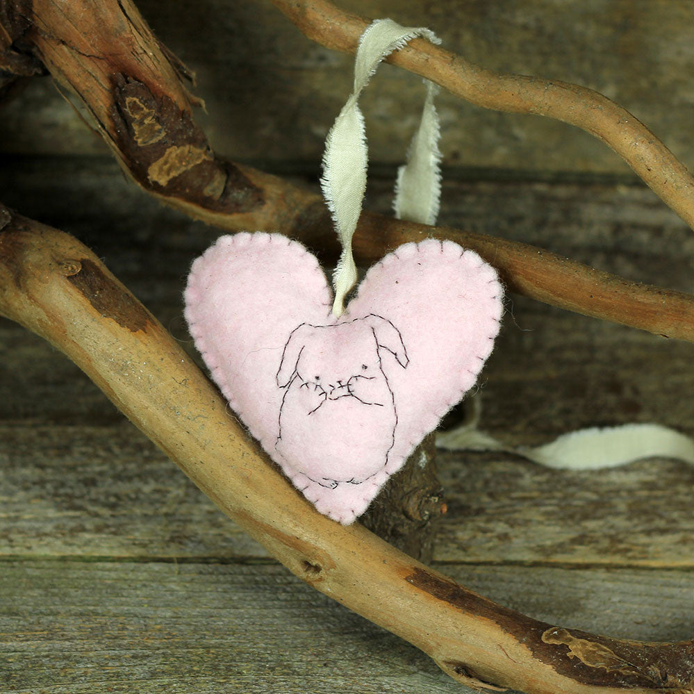 seasonal décor: heart decoration- bashful bunny