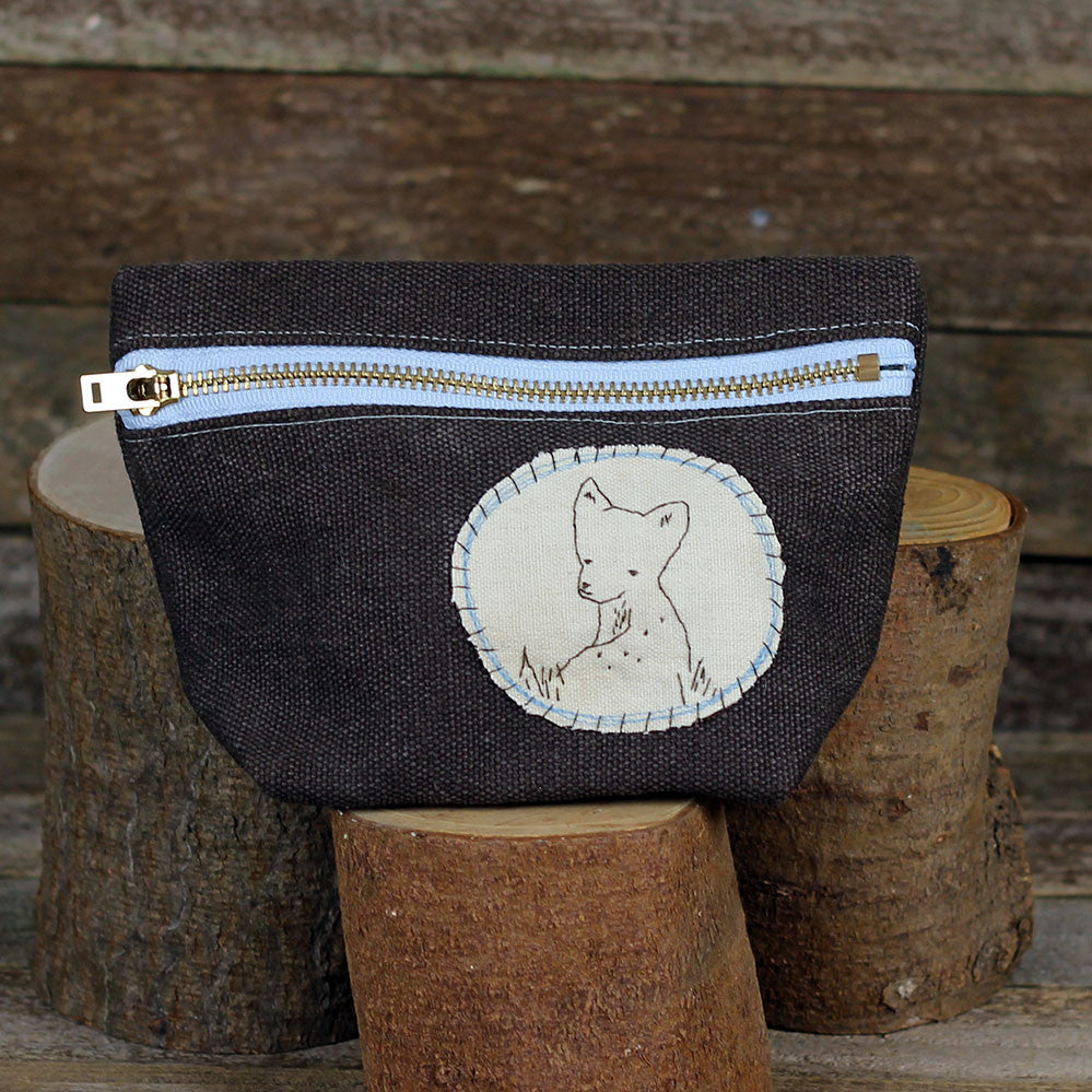 hemp stand up zipper pouch: deer