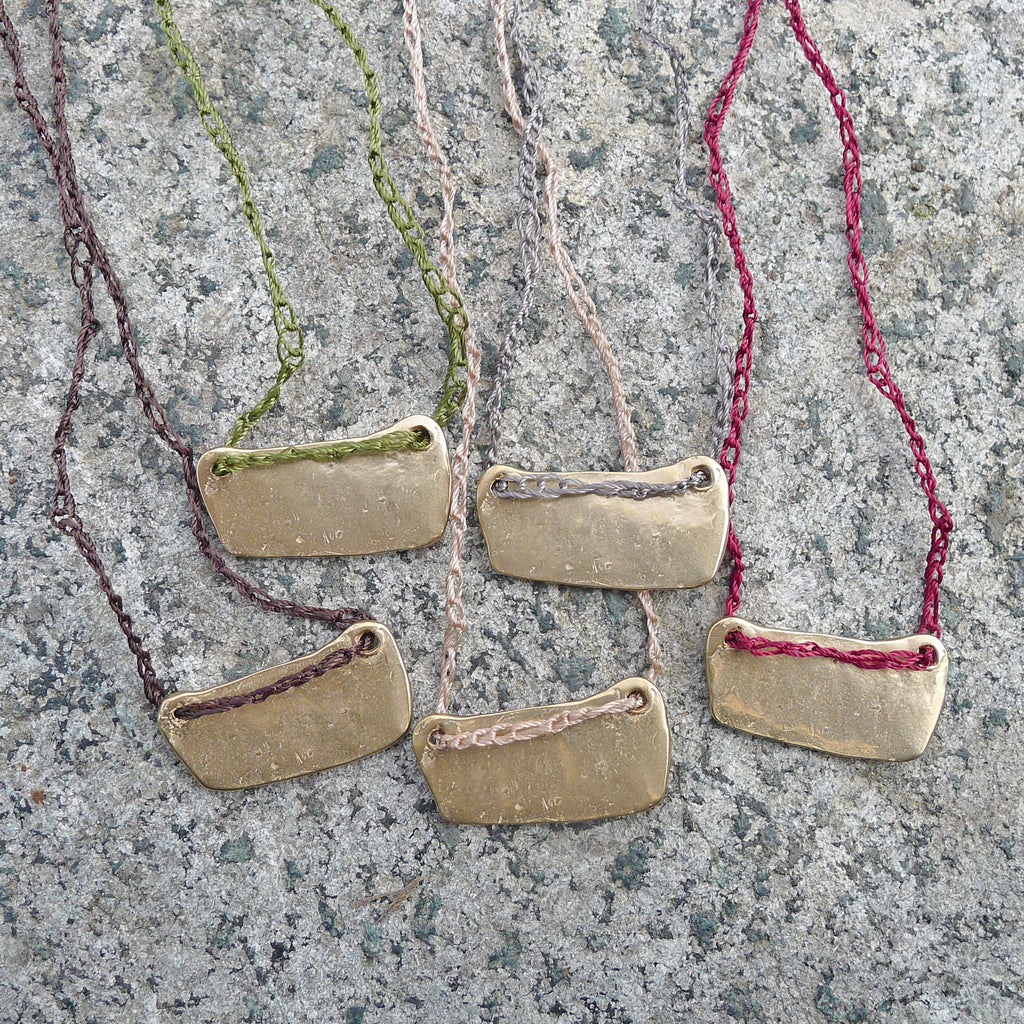 single charm necklace: valley