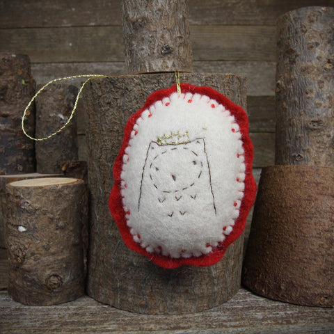 ornament: owl in crown