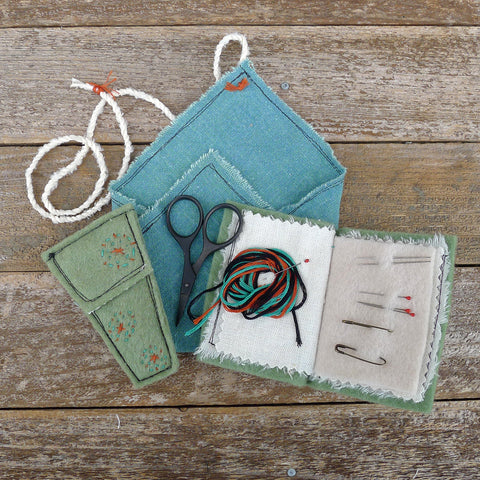 sewing kit: moss green
