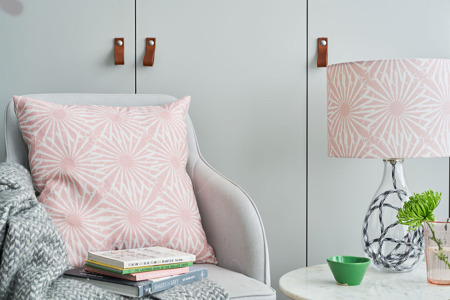 Beak Street in Rose lamp<br>MEDIUM, 2 flex colour options