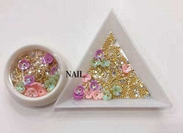 nail art shell flower jewelry opal Japanese pearl rivet diamond 3D Nail art charms, shell flowers, Alloy jewelry, Rhinestones,
