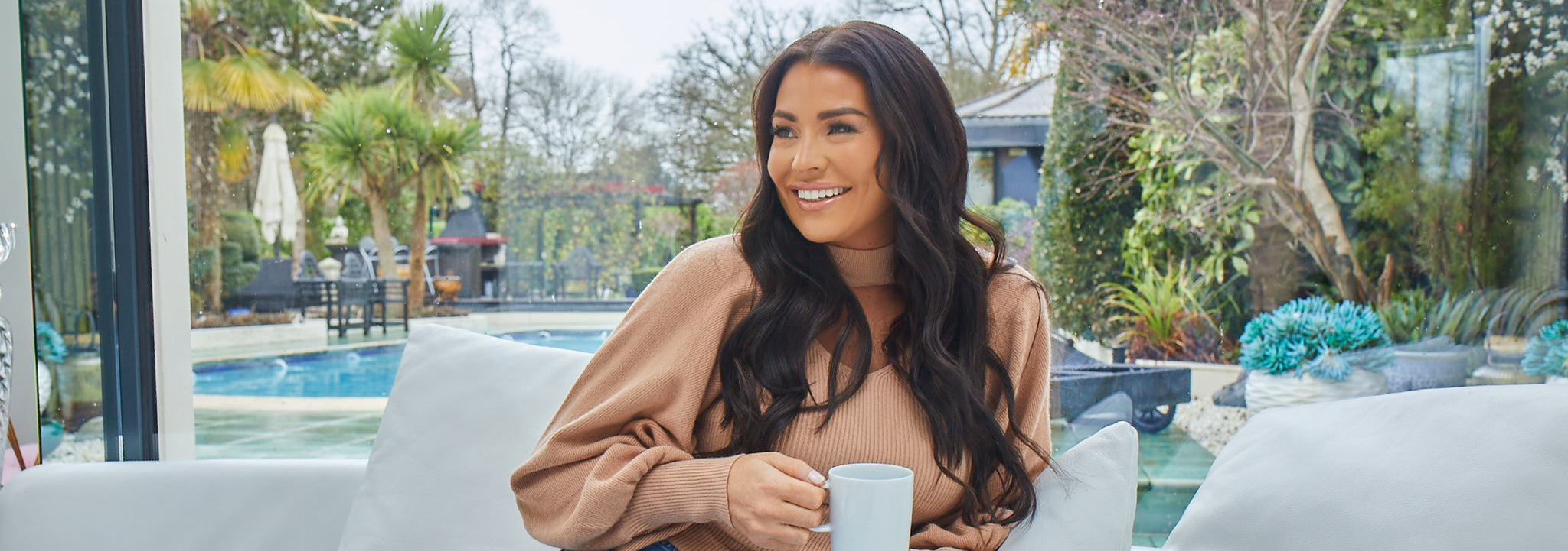 Jessica Wright smiling after taking Simone Thomas Wellness supplements