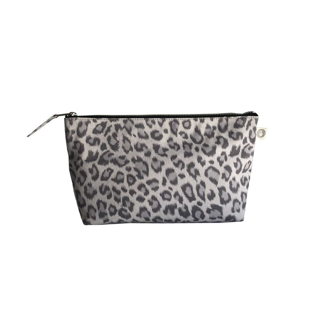 Clutch Bag: Grey Leopard