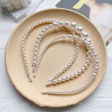 Load image into Gallery viewer, Elegant Pearls Hairbands