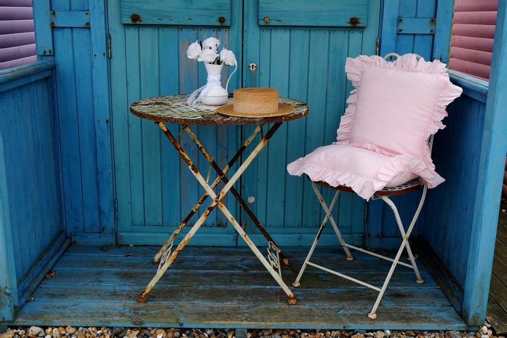7 ways to create the shabby chic garden of your dreams!
