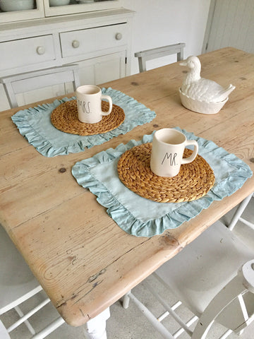 easter table, table linens, placemats