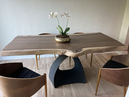 prestige table base with wooden top