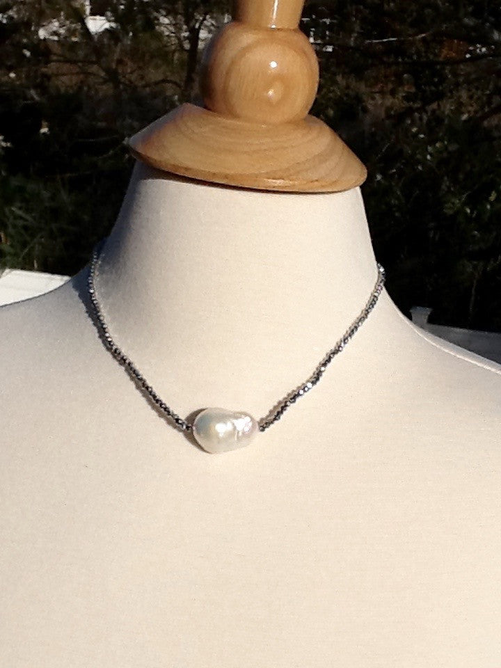 Baroque pearl and pyrite neck handmade in Italy by Mela
