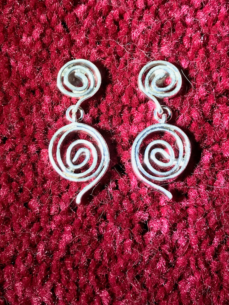 silver swirl earrings with post