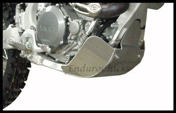 EnduroChicks - Shop for Ricochet Skid Plate Part #272 - Mounting pic 1 - Yamaha WR450F (2007-2011)