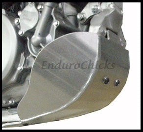 EnduroChicks - Shop for Ricochet Skid Plate Part #273 - Mounting pic2 - Suzuki RMZ250 (2007-2009)