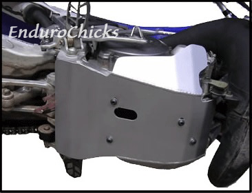 EnduroChicks - Shop for Ricochet Skid Plate Part #420 - Mounting pic 1 - Yamaha YZ250 (2005-2015)