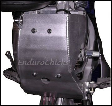 EnduroChicks - Shop for Ricochet Skid Plate Part #421 - Mounting pic 1 - YZ125 (2005-2015)