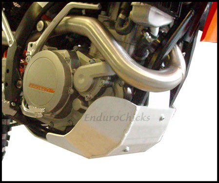 EnduroChicks - Shop for Ricochet Skid Plate, Part #465 - Mounting Pic 3 - Various KTM models (2009-2011)