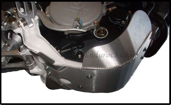 EnduroChicks - Shop for Ricochet Skid Plate, Part #471FC - Mounting Pic 1 - Husqvarna TC 450/510, TE/TXC 310/450/510 (2009-2011)