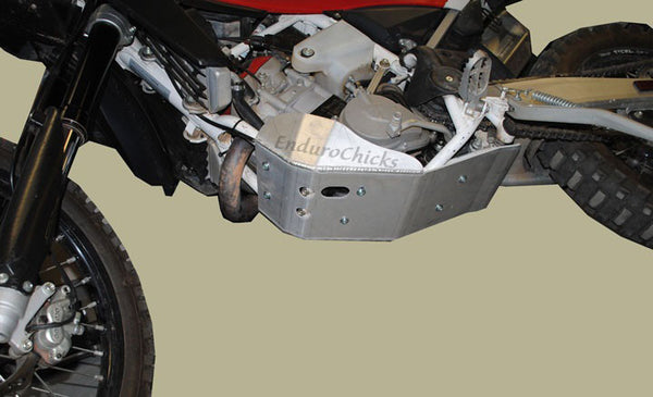 EnduroChicks - Shop for Ricochet Skid Plate, Part #491 - Mounting Pic 1 - Husqvarna TC/TE 449/511 (2011-2013)