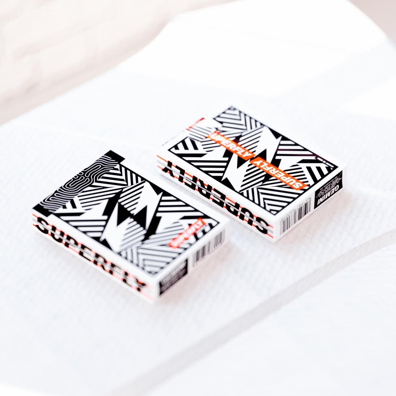 Gemini Superfly Dazzle Playing Cards Alt1