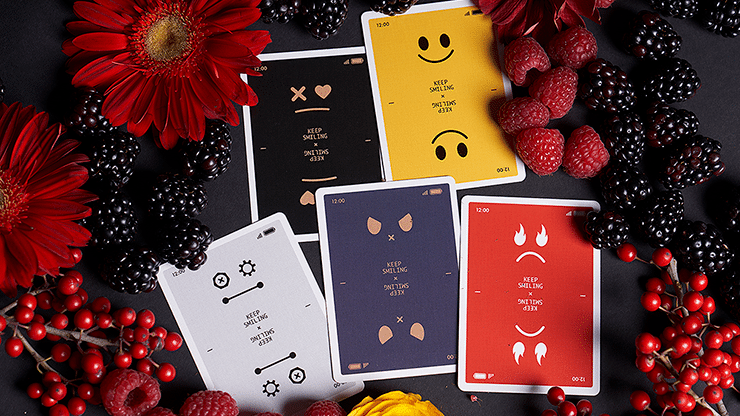 Keep-Smiling-Playing-Cards-by-Bocopo-Pearl-Gold-Alt6