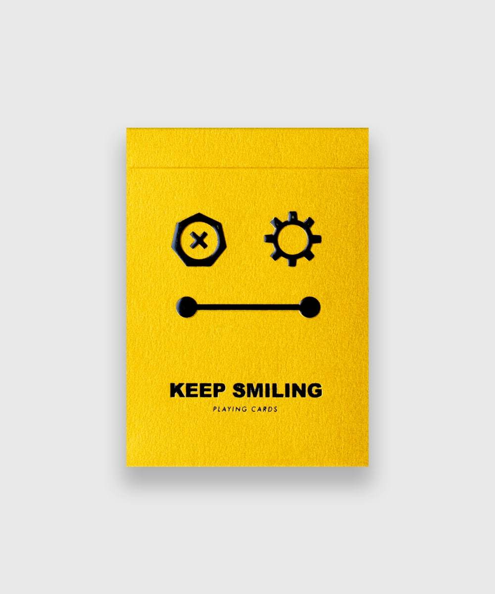 Keep-Smiling-Playing-Cards-by-Bocopo-Pearl-Gold-Galerie-1