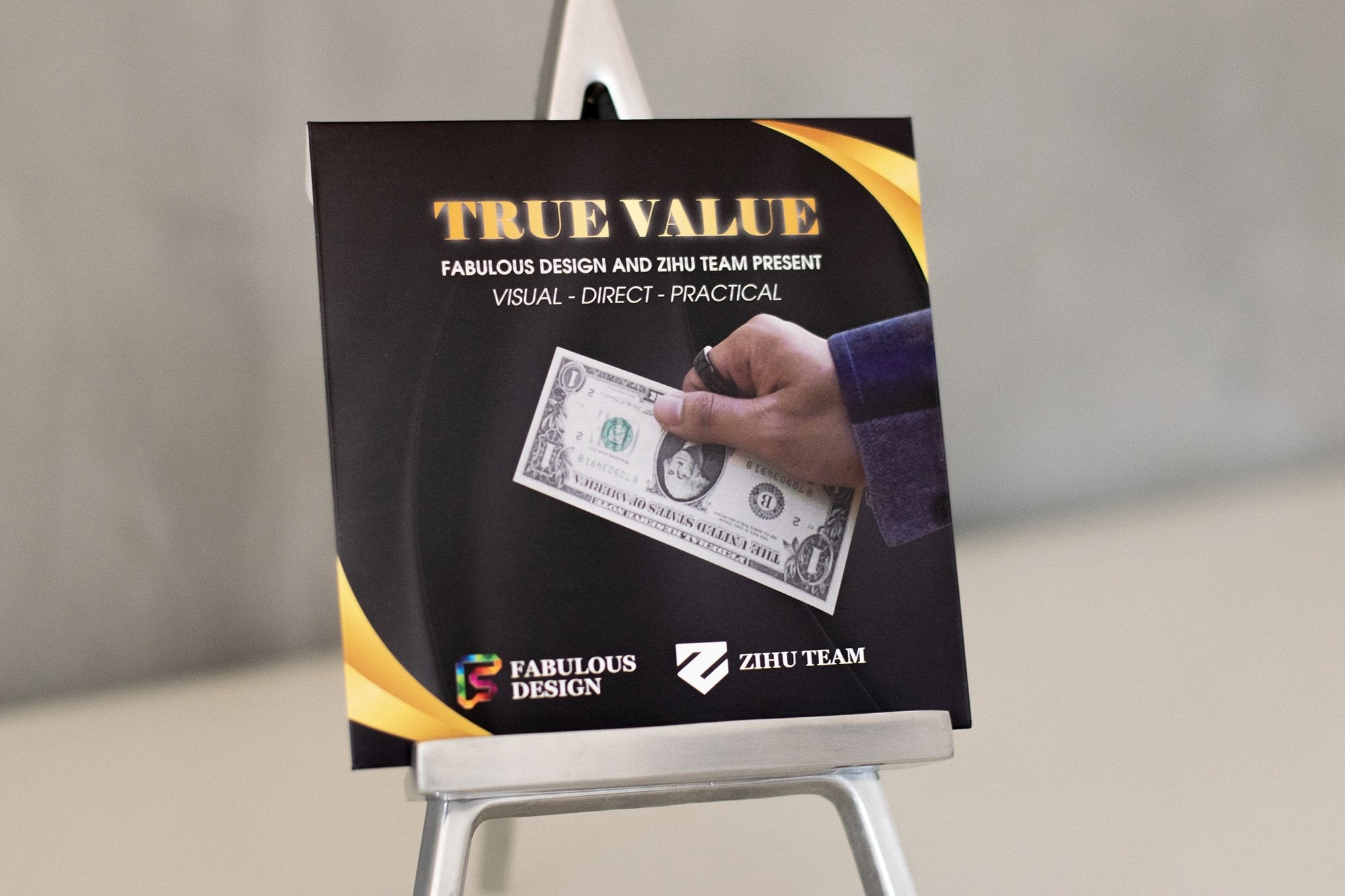 TRUE VALUE Galerie