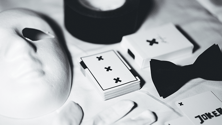 X-Deck-White-Signature-Edition-Playing-Cards-by-Alex-Pandrea-Alt6