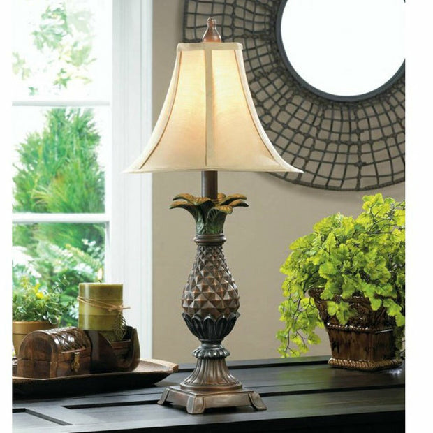 Stately Pineapple Table Lamp
