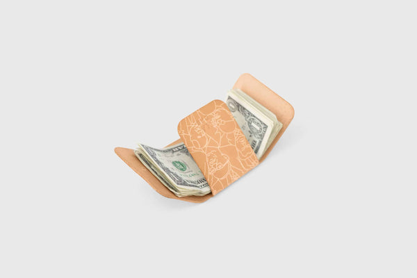 vegetable tanned leather wallet for cash