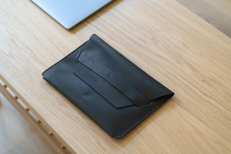 Leather Laptop Sleeve for 11 inch Macbook Pro Black-Manuel-dreesmann