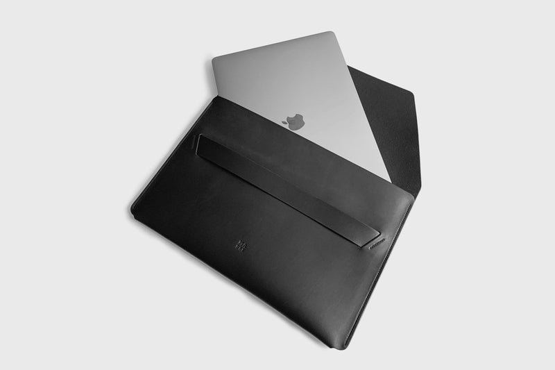 Leather Sleeve for Macbook Pro 13 Inch 2021 M1 Black-Manuel-dreesmann