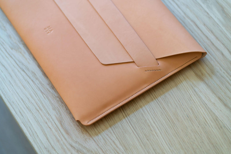 Leather Sleeve for MacBook Pro 15 inch Natural-Manuel-dreesmann