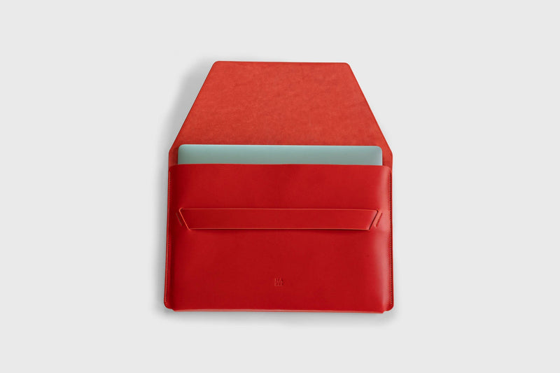 Leather Sleeve for MacBook Pro 15 inch Red-Manuel-dreesmann