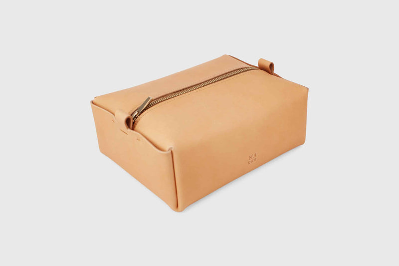 vegetable tanned leather wash bag