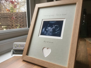 ersonalised Uncle Im on my way 1st Baby Scan Photo Frame Beec, Grey mount