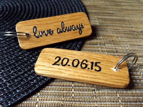 Engraved love always oak keyring I Romantic handmade gift ideas