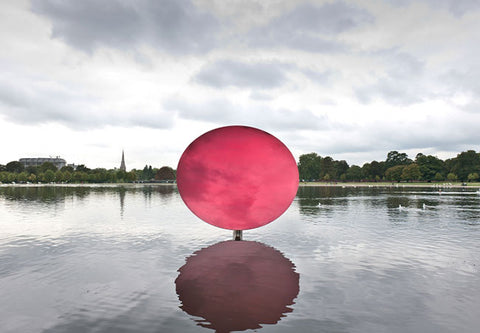 Anish Kapoor, Sky Mirror, Red, 2009, stainless steel and lacquer, 270 x 290 x 146 cm